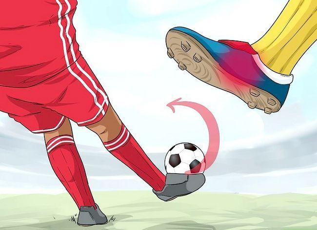 Billedbetegnelse Curve a Soccer Ball Trin 2