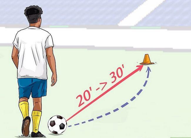 Billedbetegnelse Curve a Soccer Ball Trin 5