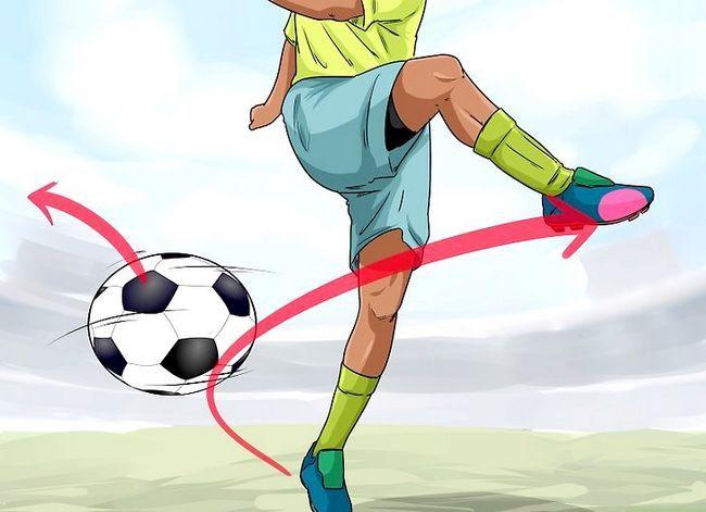 Billedbetegnelse Curve a Soccer Ball Trin 7