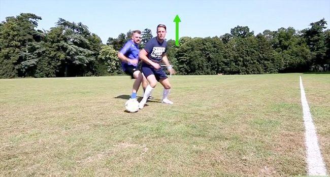 Billede med titlen Dribble Som Lionel Messi Trin 2
