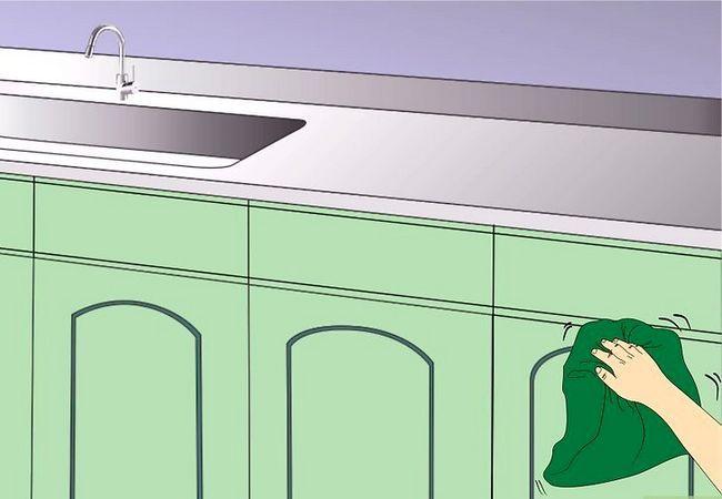 Billedbetegnelse Clean Kitchen Cabinets Trin 11