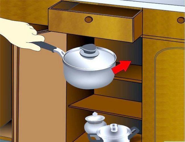 Billedbetegnelse Clean Kitchen Cabinets Trin 9