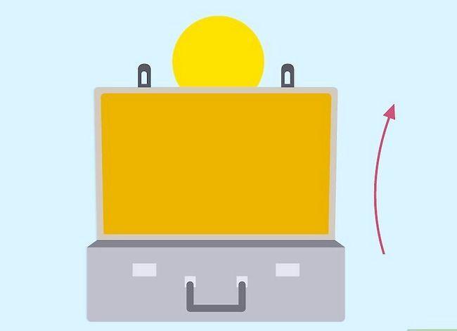 Billedbetegnelse Rengør en kuffert Trin 9