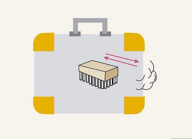 Billedbetegnelse Rengør en kuffert Trin 10