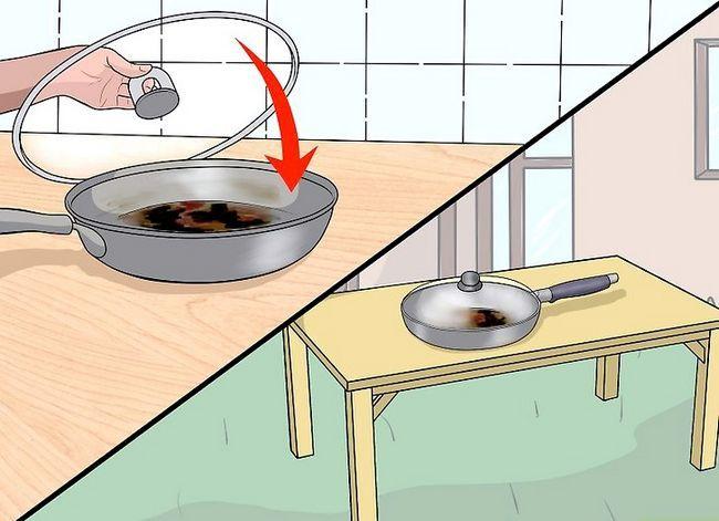 Billedbetegnelse Rengør et Scorched Pan Step 12