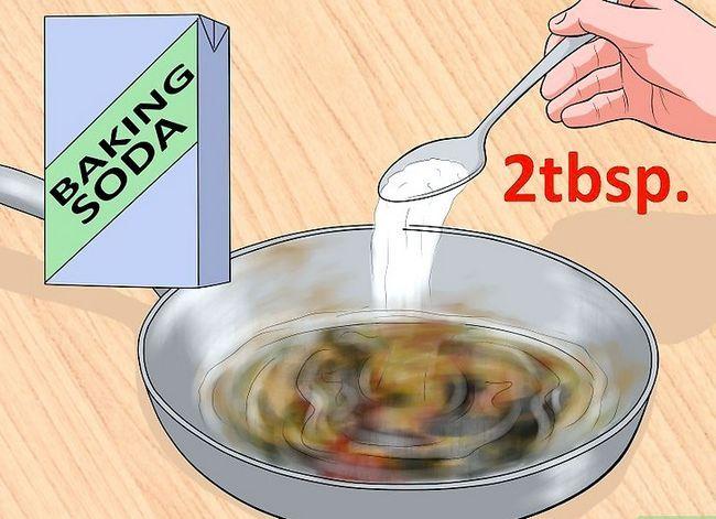Billedbetegnelse Rengør en scorched Pan Step 7
