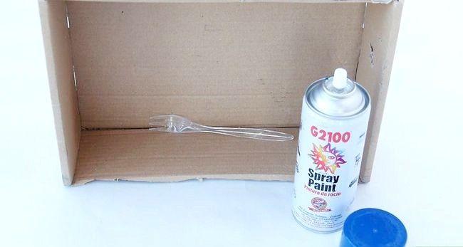 Billed betegnet Spray Paint Plastic Trin 9