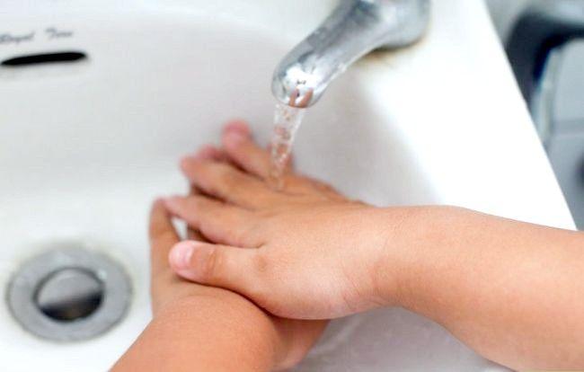 Sådan beskytter du dit barn mod kulde og influenza på ferie
