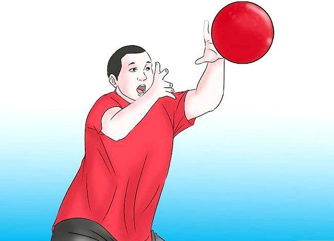 Billede med titlen Vær en fantastisk Kickball Player Trin 4